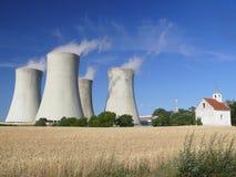 dukovany核发电站 免版税库存图片