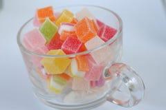 Dulce del caramelo de la jalea en el postre de cristal de la taza Imágenes de archivo libres de regalías