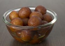 Dulce indio de la delicadeza servido en un tazón de fuente Foto de archivo