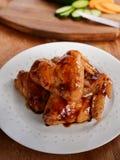 Dulce pollo con el cuenco imagen de archivo