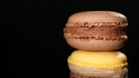 Dulces de invitación del macaron del chocolate dulce, postre delicioso, arte culinario almacen de video