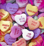 Dulces del caramelo de la tarjeta del día de San Valentín Foto de archivo libre de regalías
