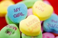 Dulces del caramelo de la tarjeta del día de San Valentín Fotos de archivo libres de regalías