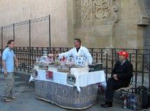 Dulces marroquíes en venta imagenes de archivo