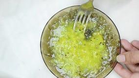 Dulces, pasteles en una placa Galletas, soplo dulce de los palillos metrajes