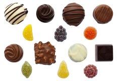 Dulces pastillas mezcladas del chocolate y de fruta Fotografía de archivo libre de regalías