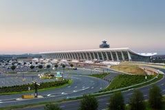Dulles-Flughafen an der Dämmerung nahe Washington DC Lizenzfreies Stockfoto