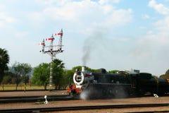 Duma Afryka pociąg wokoło odjeżdżać od kapitału parka staci w Pretoria, Południowa Afryka Zdjęcia Royalty Free