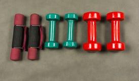 Dumbbells dla sprawności fizycznej dla rehabilitaci lub Zdjęcie Royalty Free