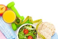 Dumbells、卷尺、健康食物和毛巾 健身和hea 免版税图库摄影