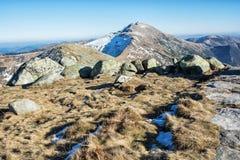 Dumbier es el pico más alto de las montañas Tatras bajo, Eslovaquia del slovak Imagen de archivo libre de regalías