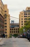 Dumbo a Brooklyn con la sezione del ponte di Manhattan Fotografia Stock