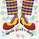 Dummkopf ` s Tag Die unterhaltenden Beine blödeln in den hellen enormen Schuhen herum Vektor stock abbildung