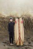 Dumny Młody surfingowiec obraz royalty free