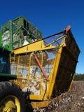 Dumping de récolteuse de coton Images libres de droits