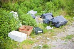 Dumping illégal dans la nature Images libres de droits