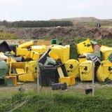 Dumpsters op een vuilnisstortplaats Royalty-vrije Stock Foto's
