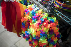 Dumy LGBT festiwalu mechandise kram zdjęcia stock