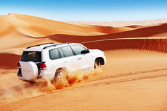 a duna 4x4 que bashing é um esporte popular do Arabian Foto de Stock Royalty Free
