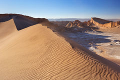 Duna de areia no la Luna de Valle de, deserto de Atacama, o Chile Imagem de Stock