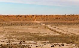 Duna de areia vermelha grande no interior australiano fotografia de stock royalty free