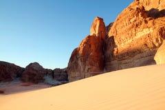 Duna de arena en montañas Imágenes de archivo libres de regalías