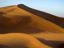 Duna de arena en salida del sol Fotos de archivo libres de regalías