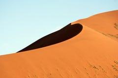 Duna de arena enorme de Sossusvlei Fotos de archivo