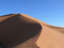 Duna di sabbia al Sahara marocchino Fotografia Stock