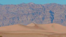 Dunas de areia bonitas do Mesquite no Vale da Morte Califórnia filme