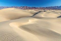 Dunas de areia do Vale da Morte imagem de stock