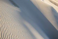 Dunas de areia no deserto Imagens de Stock