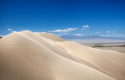 Dunas de areia no deserto Fotos de Stock