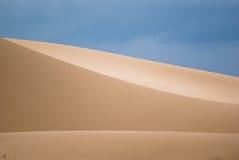 Dunas de areia no deserto de Gobi Imagem de Stock Royalty Free