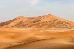 Dunas de areia no deserto de Omã (Omã) imagens de stock