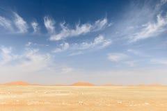 Dunas de areia no deserto de Omã (Omã) imagem de stock