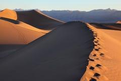 Dunas de areia no Mesquite liso, Califórnia fotos de stock