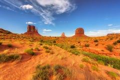 Dunas de areia vermelhas no vale do monumento, o Arizona Fotos de Stock Royalty Free
