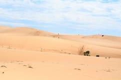 Dunas de arena blancas en Mui Ne Foto de archivo libre de regalías