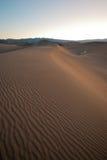 Dunas de arena del parque nacional de Death Valley Foto de archivo