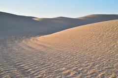 Dunas de arena en el área recreativa imperial de las dunas de arena, California Imagenes de archivo
