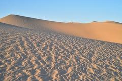 Dunas de arena en el área recreativa imperial de las dunas de arena, California Imagen de archivo libre de regalías