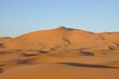 Dunas de arena en el desierto de Sáhara Imagen de archivo libre de regalías