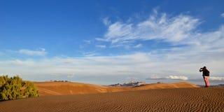 Dunas de arena en el desierto en Irán imagenes de archivo