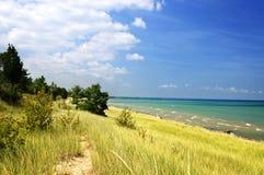 Dunas de arena en la playa Foto de archivo libre de regalías