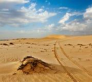 Dunas de arena en salida del sol, Mui Ne, Vietnam Foto de archivo libre de regalías