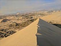 Dunas de arena de Huacachina Perú Foto de archivo
