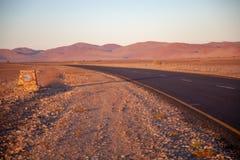 Dunas de Sossusvlei en los parques nacionales del namib del desierto de Namibia entre el desierto y la sabana fotos de archivo libres de regalías