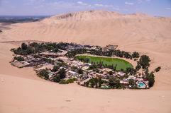 Dunas del oasis y de arena de Hucachina, Perú imágenes de archivo libres de regalías