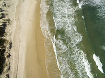 Dunas en día soleado - playa de la visión aérea de Joaquina - Florianopolis - Santa Catarina - el Brasil En julio de 2017 Foto de archivo